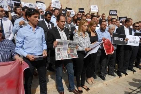 Concentración de periodistas ante el Parlamento de Malta en himenaje a Daphne Caruana