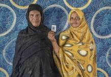 Marian Haemude Mohamed, de 60 años, y Jeuda Ali, de 42 años, esposa e hija de Ali Bachir Ali, desaparecido en marzo de 1976 en Bir Lehlu, hoy zona liberada bajo el control del Frente Polisario.