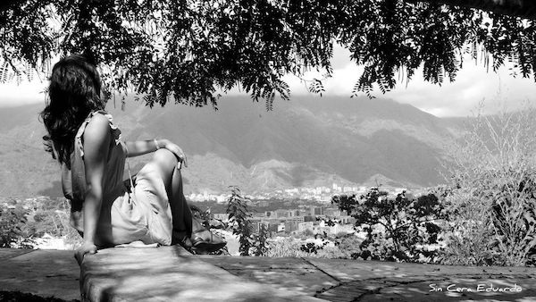 Mujer sola por Eduardo Ruiz Fernández