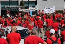 Trabajadores de la radiotelevisión pública noruega NRK en una de las jornadas de huelga