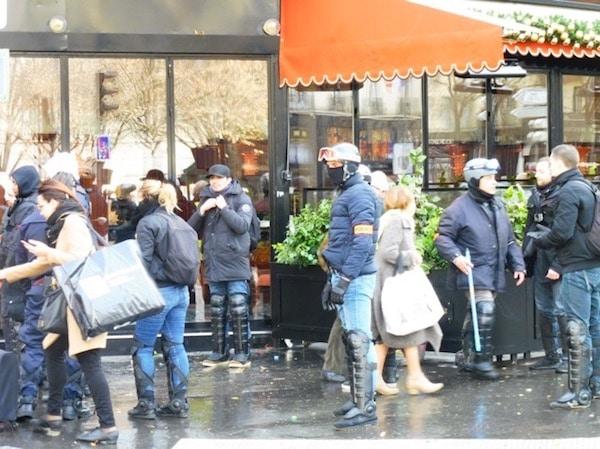 Paris gilets jaunes despliegue policial
