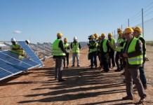 Som Energía comienza la instalación de placas en Alcolea del Río, Sevilla