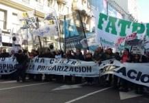 Protestas de periodistas en Argentina contra el cierre de medios y la precarización laboral