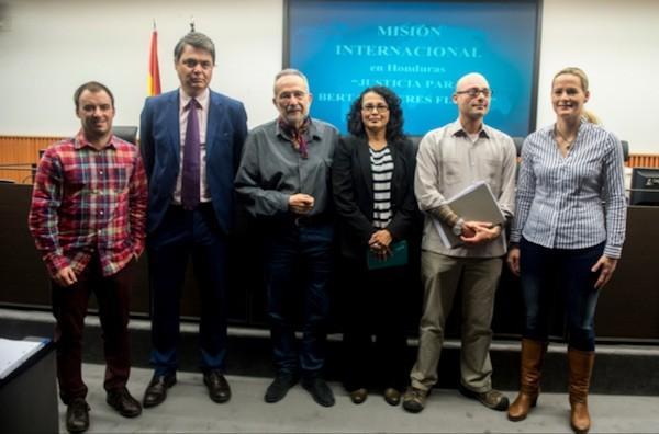 Presentación en el Congreso de los Diputados de España del informe internacional sobre el asesinato de Berta Cáceres