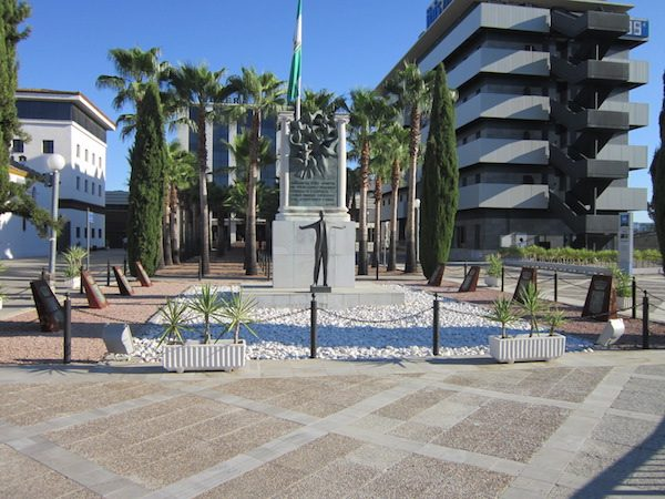 Monumento en Sevilla en recuerdo de Blas Infante