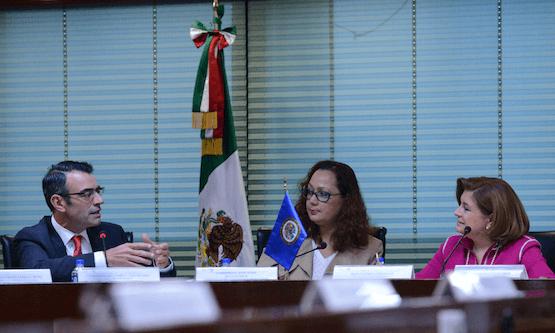 El ejecutivo también se reunió con los expertos, como muestra de buena voluntad y colaboración