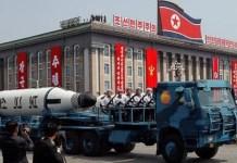 Desfile militar con misiles balísticos en Corea de Norte