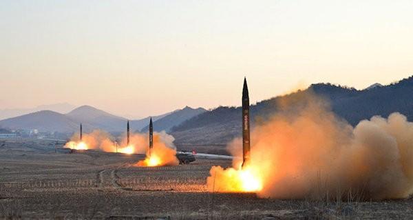 Pruebas de lanzamiento de misiles balísticos por Corea del Norte