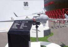 Dron suicida modelo Orbiter 1K en una exposición militar.