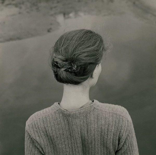 Emmet Gowin. Edith. Chincoteague, Virginia, 1967. Gelatina de plata, 16,8 × 17,1 cm. Colecciones Fundación Mapfre © Emmet Gowin, cortesía Pace/MacGill Gallery, New York