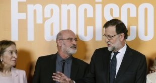 Ana Pastor, Fernando Aramburu y Mariano Rajoy