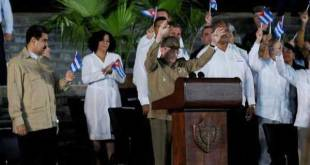 Fidel Castro: miles de cubanos juran defender el socialismo