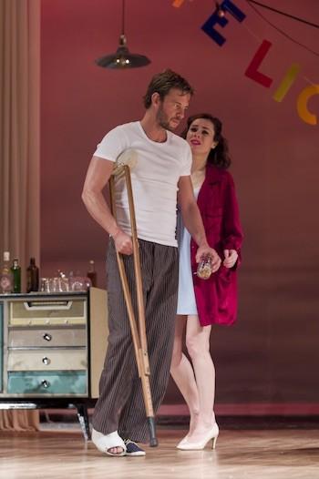 Begoña Maestre y Eloy Azorín como Maggie y Brick. Foto Montenegro