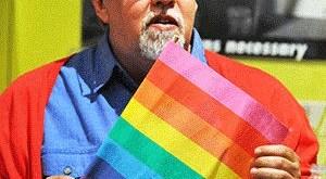 MuereGilbert Baker, inventor de la bandera arco iris