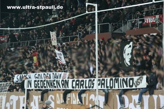 Pancarta en alusión a Carlos Palomino en el Millerntor-Stadion del Sant Pauli. Foto: Ultras Sant Pauli.