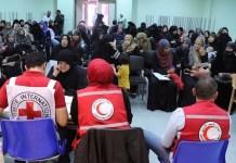 Personal de Cruz Roja y Media Luna Roja atienden a familias refugiadas en Jordania