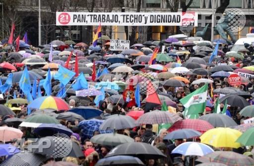 marchas-dignidad-paraguas-Andes-AFP