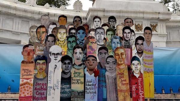 Mexico-Ayotzinapa-3-pancarta