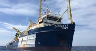 El Dignity de MSF en el Mediterráneo