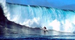 Surf en la playa de San Juanico, México