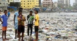 Playas del mundo en Versova, en la ciudad india de Mumbai. Crédito: PNUMA.