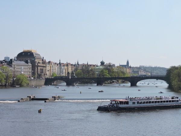 ABianco: Praga, puente sobre el Moldova