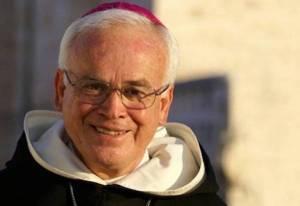 El obispo Raúl Vera ha prohibido dar licencias para casar a menores.