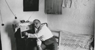 Foto de un oyente, clandestino, de Radio Pirenaica.