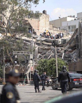 Edificio de Colonia Condesa, en Ciudad de México (CdMX). Foto, Santiago Arau