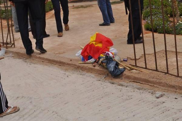 Sidi Ifni: bandera Española por los suelos tras la intervención de la gendarmería marroquí en el antiguo consulado