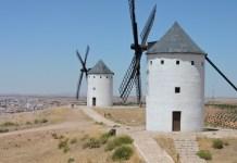 Molinos de viento en El Toboso. Foto de Adriana Bianco