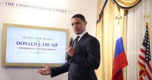 Trevor Noah simula la biblioteca presidencial de tuits de Donald Trump