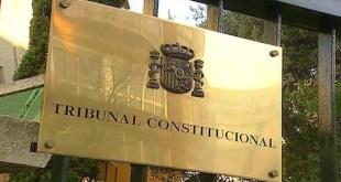 Placa de entrada al Tribunal Constitucional de España