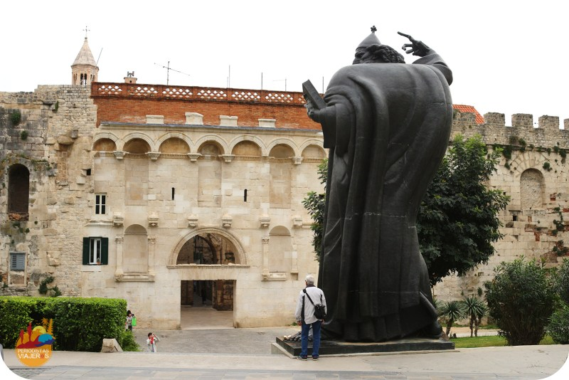 pesonaje misterioso,ciudad,diocleciano