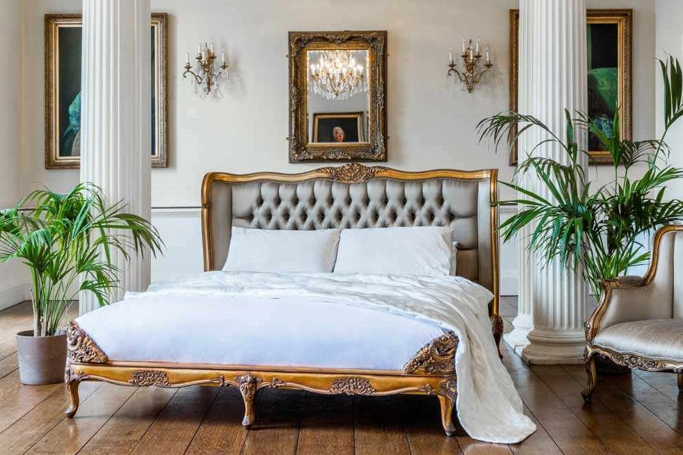 Versailles Gold Bed