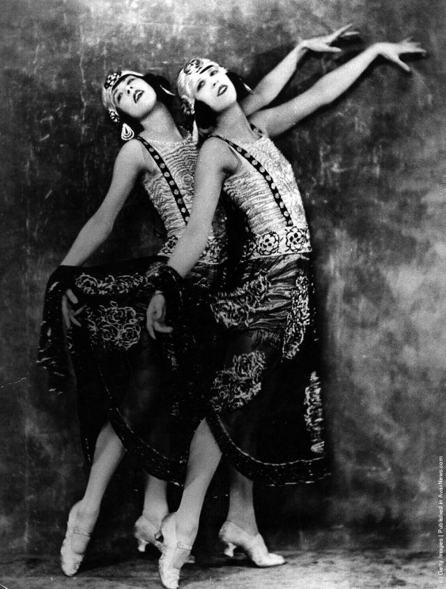 cabaret-dancers-16