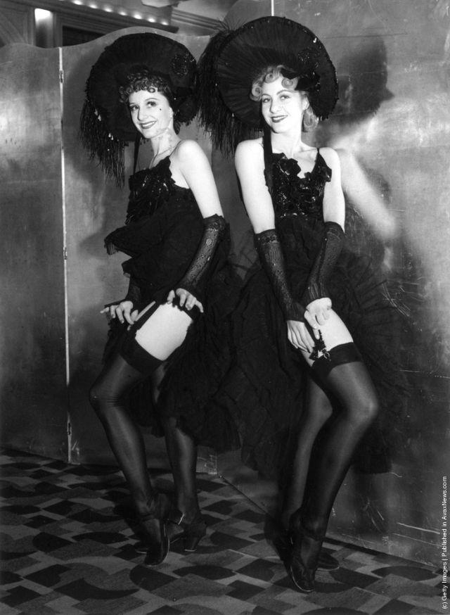 cabaret-dancers-28