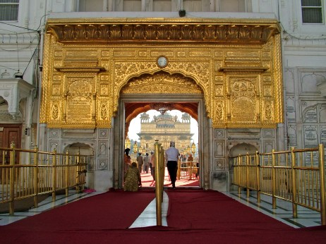 entrance_to_golden_temple_amritsar