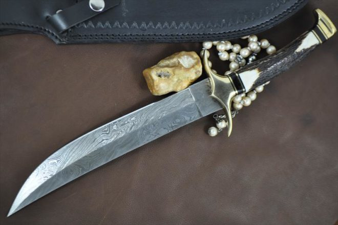 Beautiful Damascus Bowie Knife With Stag Handle