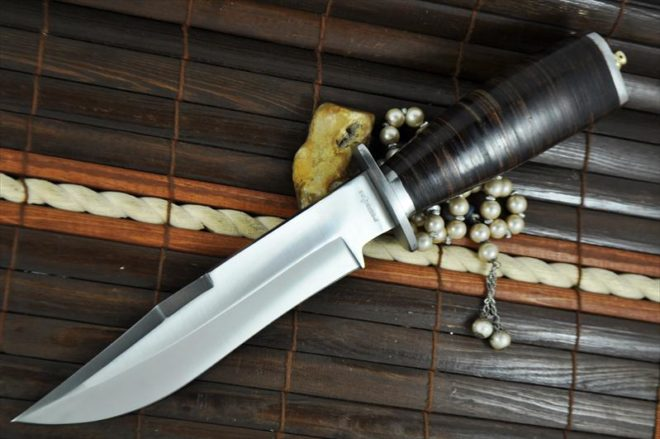 Beautiful Handcrafted Hunting Knife with 440-c Steel
