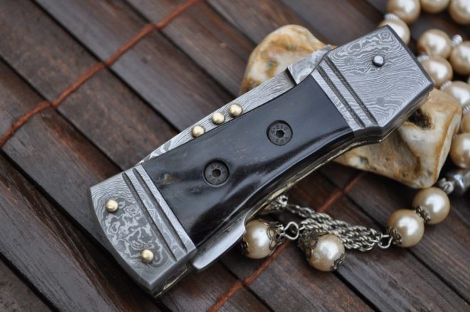 Lockback Folding Pocket Knife