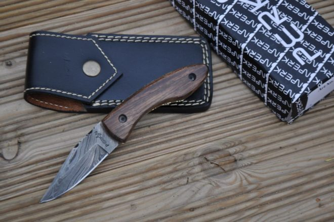 Handmade Damascus Pocket Knife – Beautiful Folding Knife