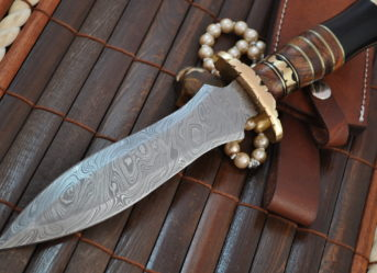 Damascus steel hunting knife with sheath double edge blade