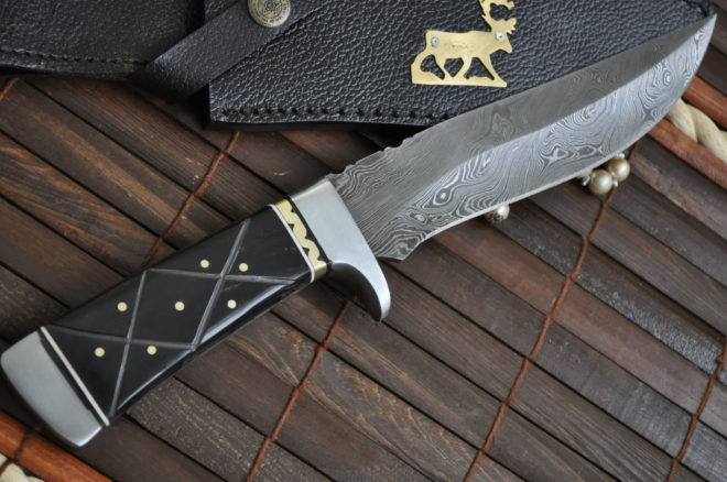 Fixed blade hunting knife with sheath damascus steel blade