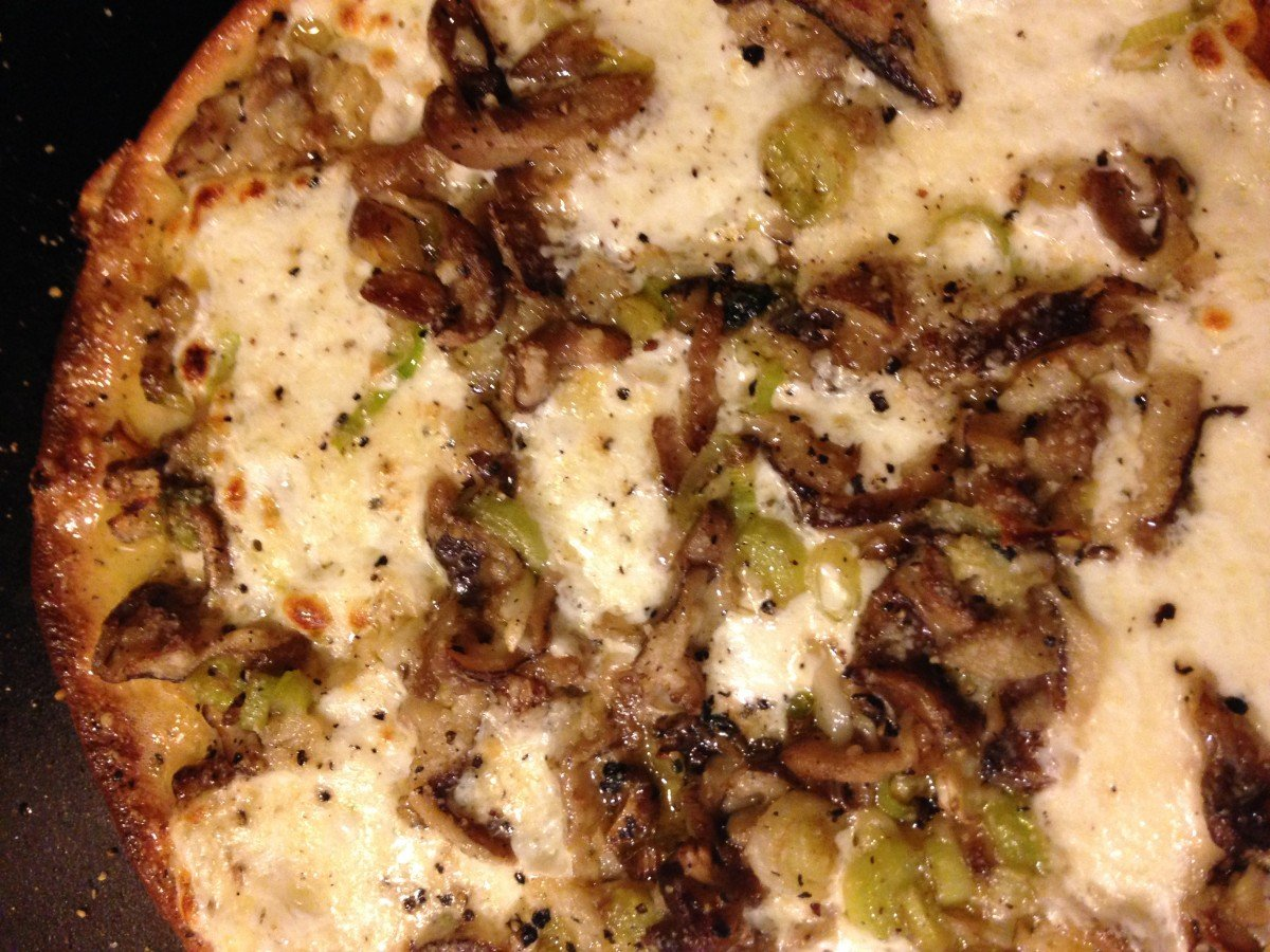 leek garlic shiitake pizza