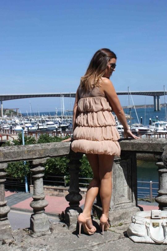 vestido beig espalda