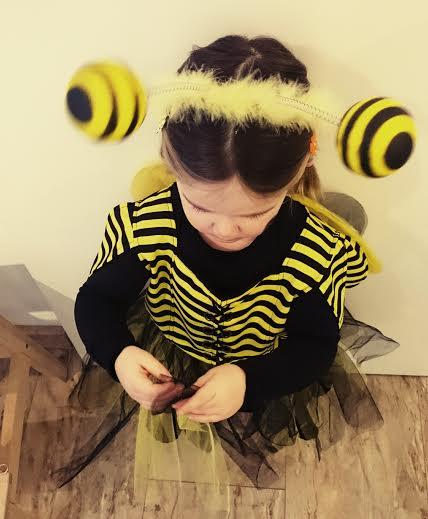 Heute morgen habe ich ein kleines Bienchen zur Kita gebracht.