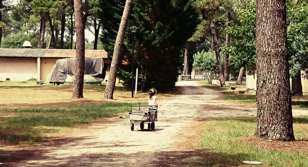 Camping mit Baby, faltbarer Bollerwagen, Campingplatz, Soulac Sur Mer