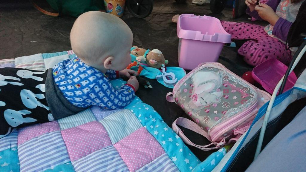 Perlenmama, Camping mit Baby, was anziehen, Anziehsachen Baby