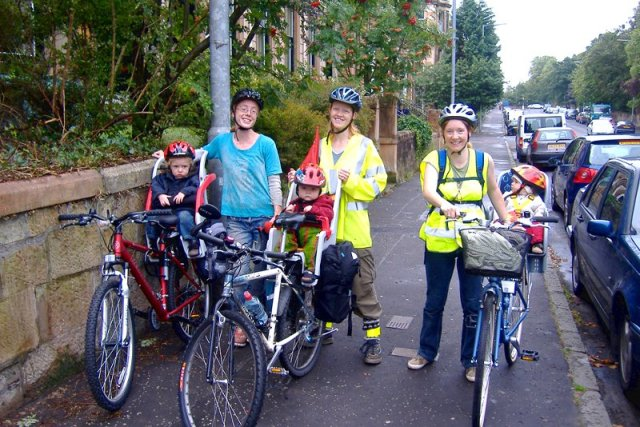 Genitori permacultura bicicletta Lusi Alderslowe